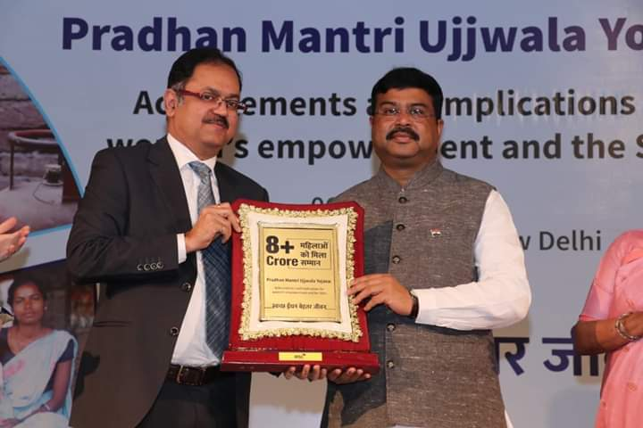 Pradhan hails Ujjawala Yojana as biggest catalysts of socio-economic change & women empowerment