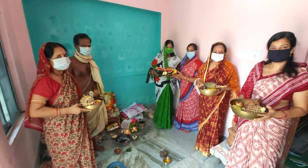 Devotion drives women to celebrate Savitri Puja with Covid-19 norms